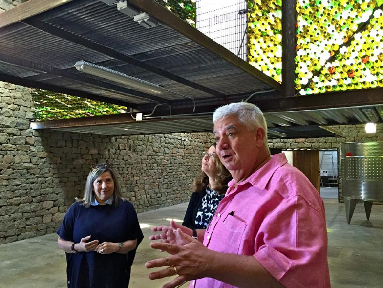 Tour of Clos de Tres Cantos, a sustainable winery, with the owners Joaquin and Maria.