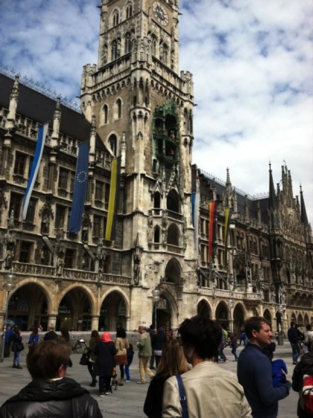 Munich Square SU15