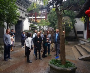 MBA students and faculty visit the Yuyuan Gardens in Shanghai on a city tour