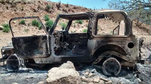 One of the four vehicles burned during a military operation in the communities of Tamazula, Durango. Photo: Javier Valdez Cárdenas