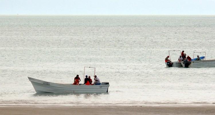 Fishermen in Golfo de Santa Clara. Photo: Sergio Haro, ZETA.