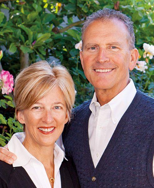 Alumnus Tom Mulvaney '77 and his wife Karen