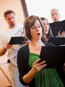 Choral Scholar alumna sings