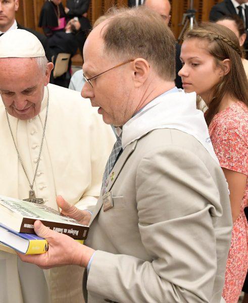 USD History Professor Ken Serbin with Pope