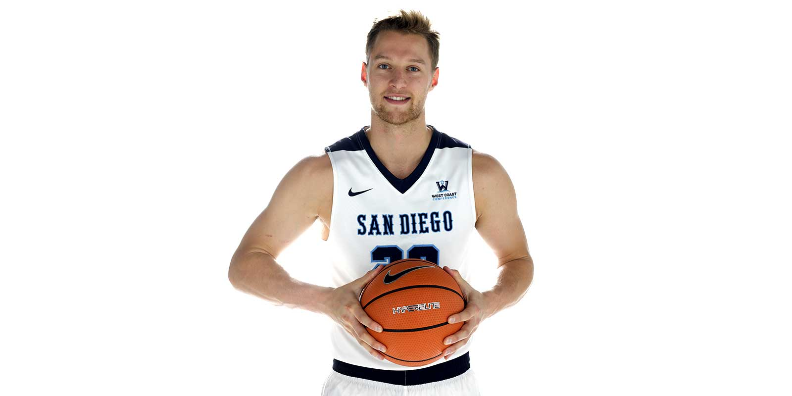 USD Basketball player Cameron Neubauer