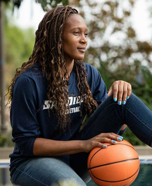 USD Women's Baskeball player Maya Hood '17