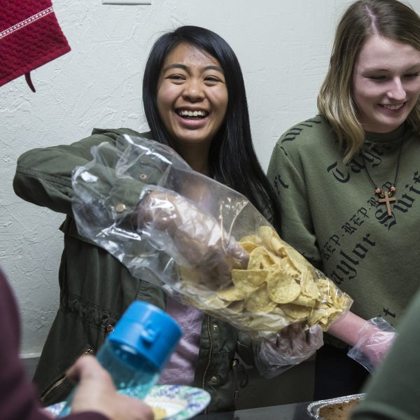 University of San Diego students distribute food at homeless shelter
