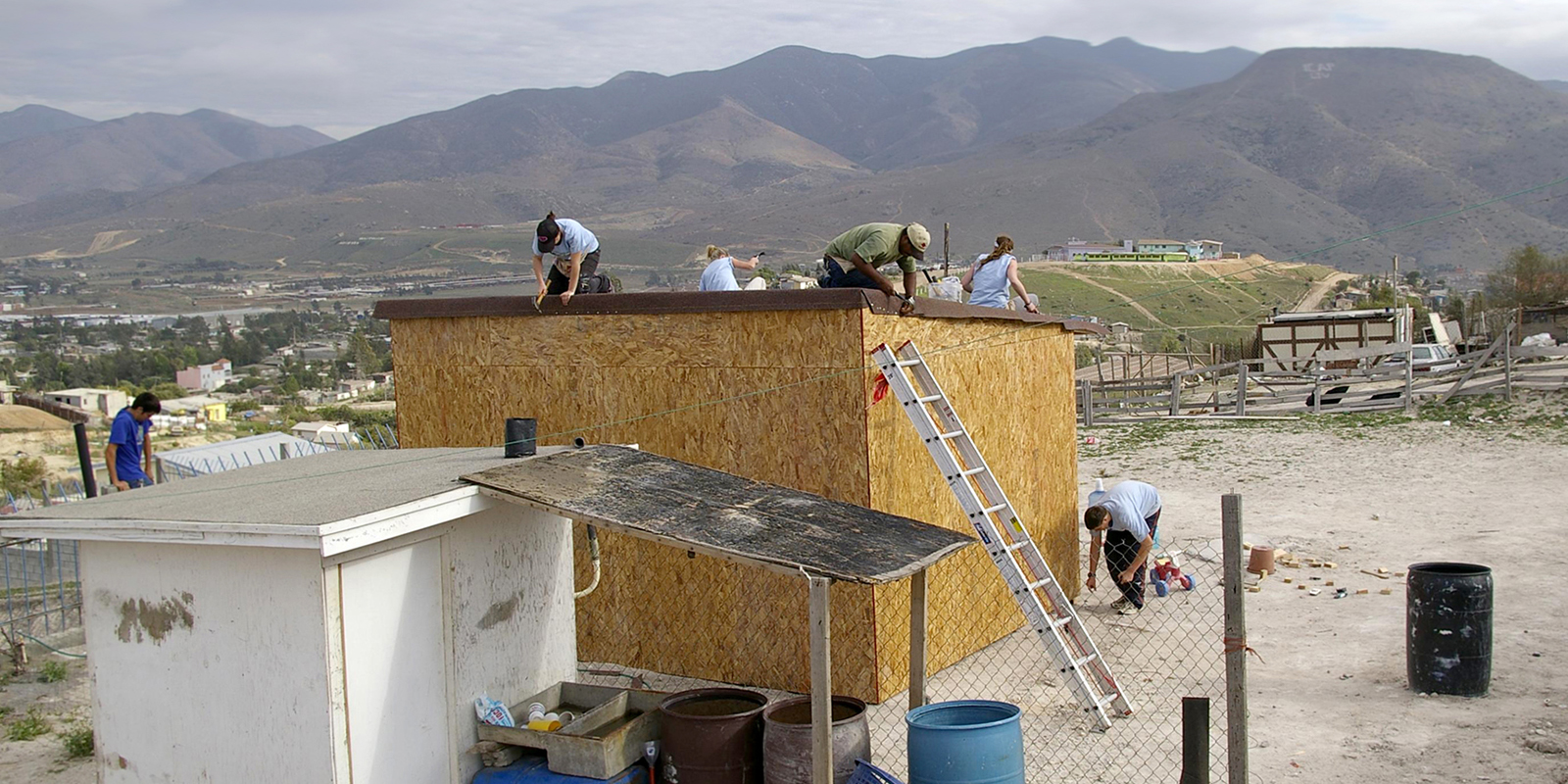 team building house in mexico