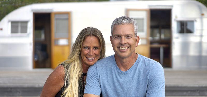 USD Board of Trustees Treasurer Robert R. Dean '94 (BBA) and his wife, Trina